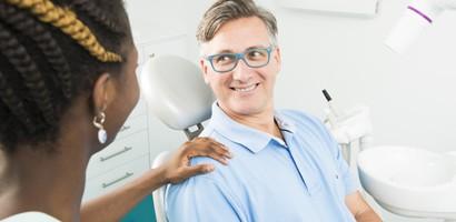 suite-opératoire-pose-implant-dentaire